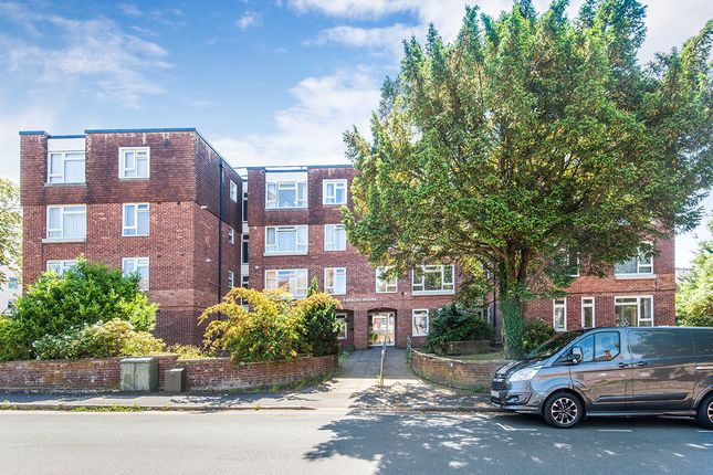 Thumbnail Flat to rent in Grendon Road, Exeter