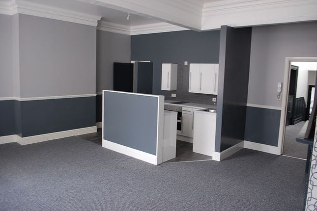 Thumbnail Flat to rent in Old Street, Ashton-Under-Lyne