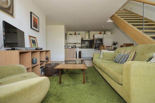 Thumbnail Flat to rent in Highbury Stadium Square, London
