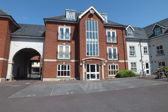 Thumbnail Flat to rent in Conigre Square, Trowbridge, Wiltshire