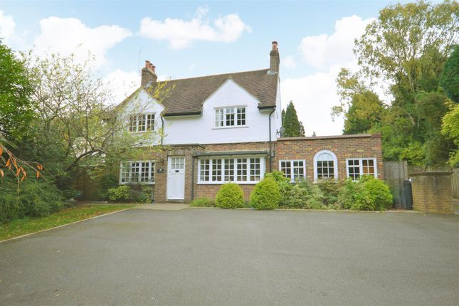 4 bed detached house for sale in Alcocks Lane, Kingswood, Tadworth