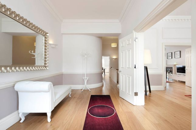 Thumbnail Flat to rent in Hertford Street, Mayfair