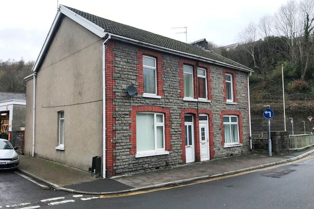 3 bed semi-detached house to rent in Pwllgwaun Road, Pontypridd CF37