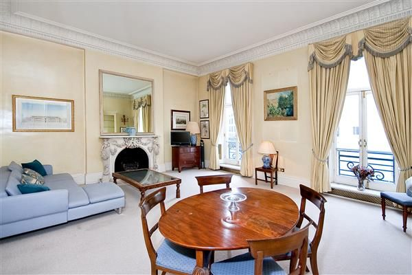 Thumbnail Flat for sale in Chesham Place, Belgravia