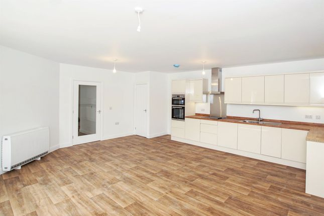 2 bedroom flat for sale in St Lukes House, Emerson Way, Emersons Green