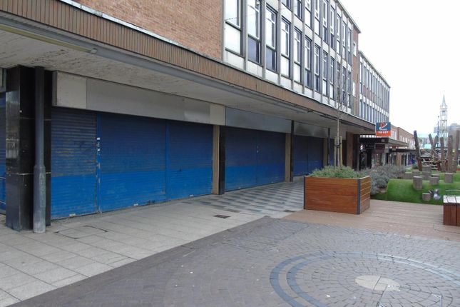 Thumbnail Commercial property to let in Queensway, Stevenage
