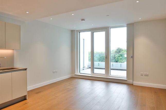 Thumbnail Flat for sale in Vista Sophora House, Chelsea Bridge Wharf, London