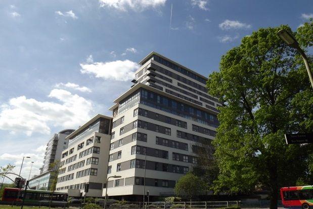 Thumbnail Property to rent in Alencon Link, Basingstoke