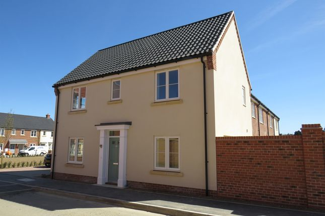 3 bed end terrace house for sale in Partridge Way, Holt NR25