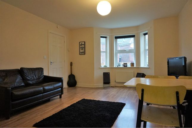 Thumbnail Flat to rent in Highfield Road, Manchester