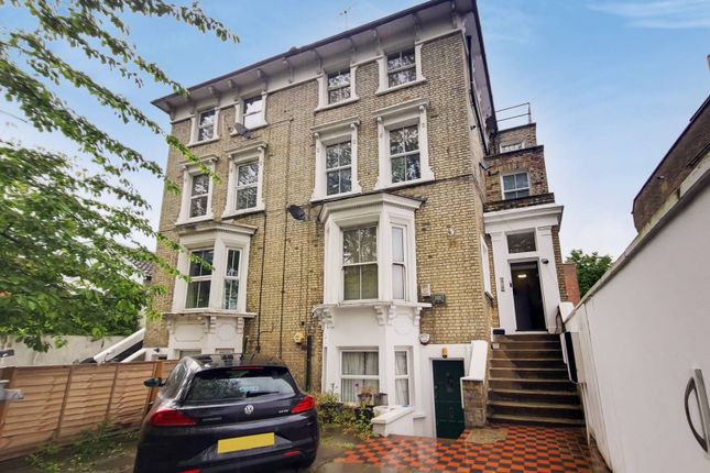 Thumbnail Flat to rent in Great North Road, Highgate, London