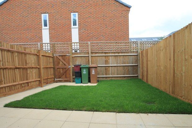 Thumbnail Property to rent in Alcock Crescent, Dartford