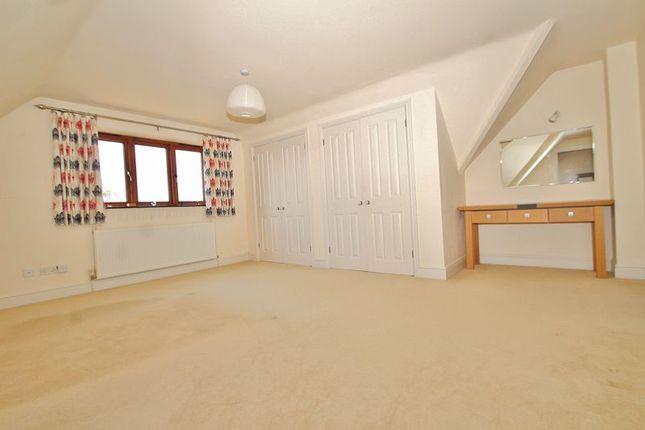 Bedroom 1 of Corndell Gardens, Witney OX28
