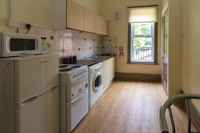 Kitchen of Flat 5, 244 Vinery Road, Burley LS4