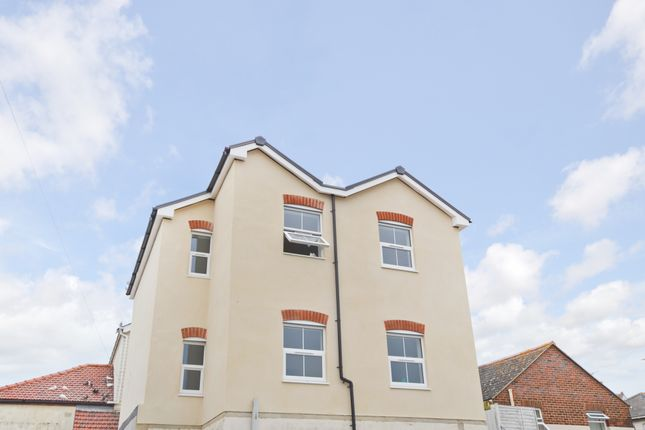 Thumbnail Flat for sale in Regent Street, Shanklin