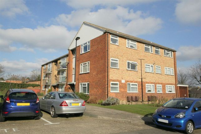 Thumbnail Studio to rent in Windsor Court, London
