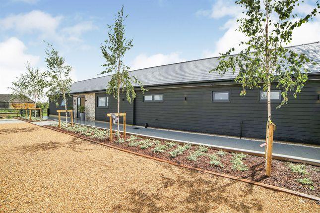 Thumbnail Barn conversion for sale in Hollingdon, Leighton Buzzard