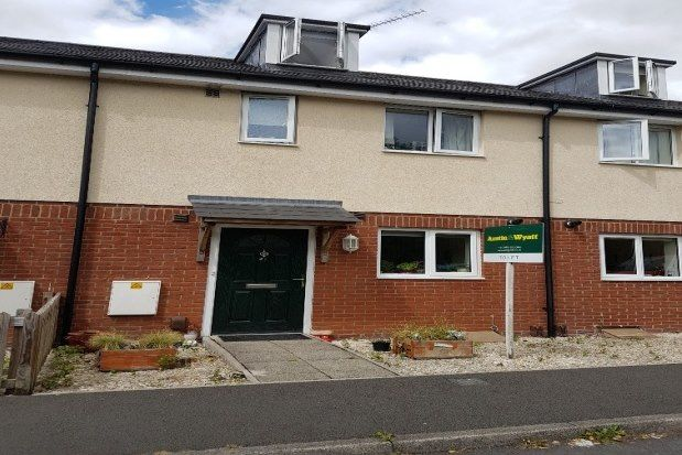 4 bed terraced house to rent in Lightfoot Road, Salisbury SP4