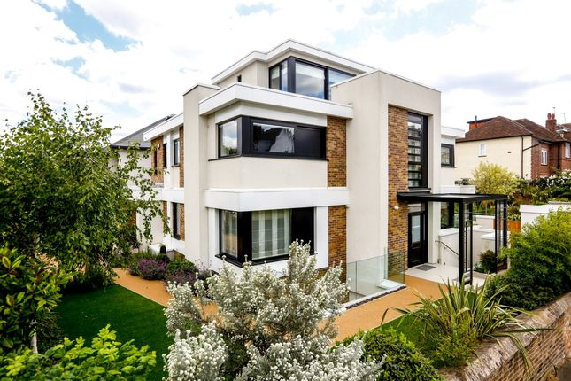 Thumbnail Detached house to rent in Kings Road, Richmond
