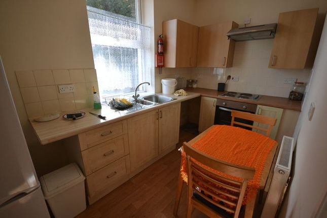 Thumbnail Flat to rent in Trewyddfa Road, Morriston, Swansea