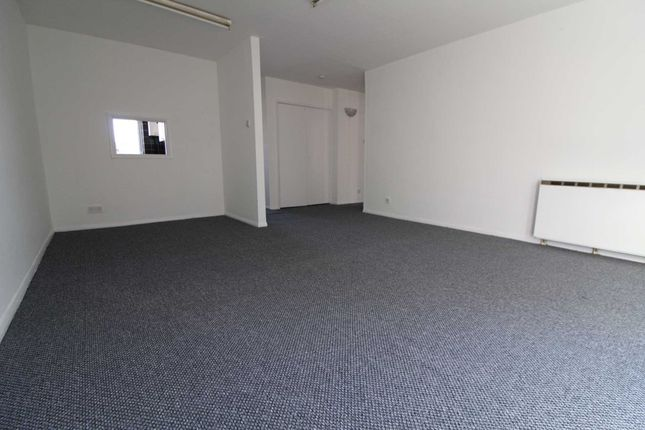 Thumbnail Semi-detached house to rent in Cousins Close, West Drayton