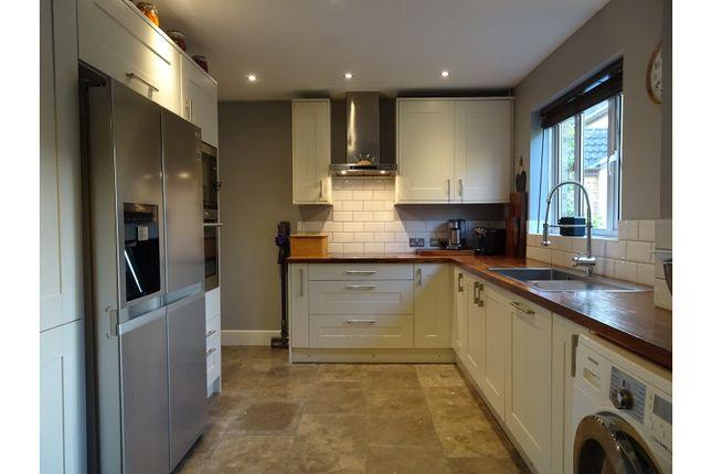Thumbnail Detached house for sale in Devereux Close, Swindon