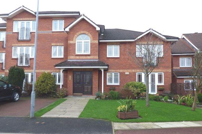 Thumbnail Flat to rent in Pickenham Close, Macclesfield