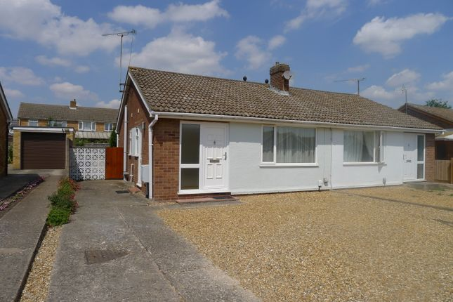 Thumbnail Semi-detached bungalow to rent in Fontwell Avenue, Cambridge