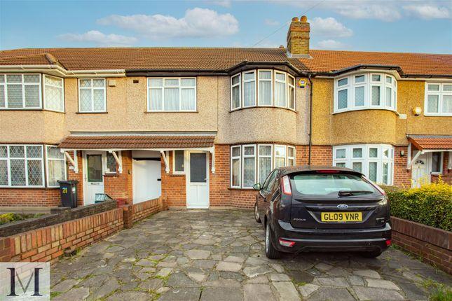 Thumbnail Terraced house for sale in Ash Grove, Heston
