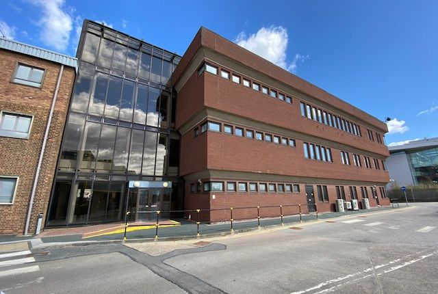 Thumbnail Office to let in Clough Road, Hull