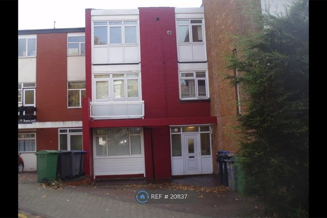 7 bed terraced house to rent in Windsor Crescent, London