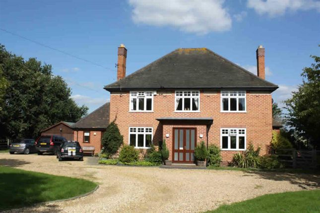 Thumbnail Detached house to rent in The Old Orchard, Lowes Lane, Wellesbourne, Warwick