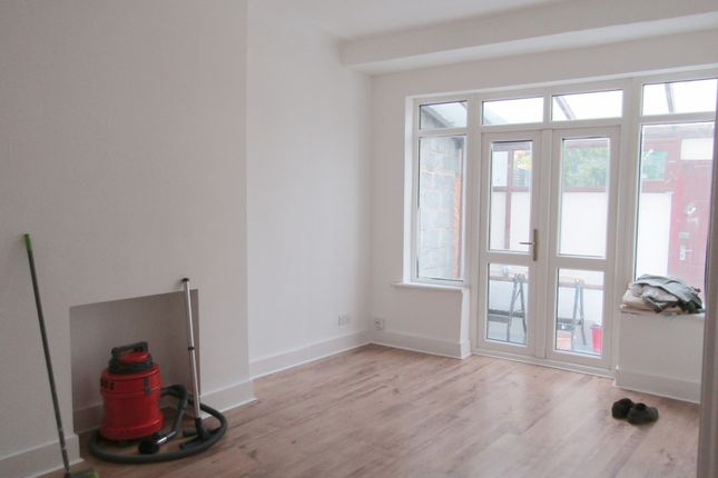 4 bed terraced house to rent in Forest Drive East, Leytonstone E11