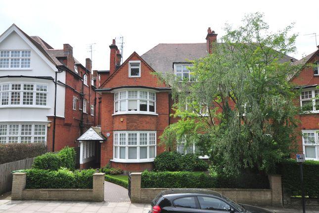 Exterior-158 of Bracknell Gardens, London NW3