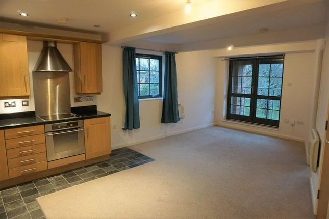 Thumbnail Flat to rent in Gladstone Street Rothwell, Kettering
