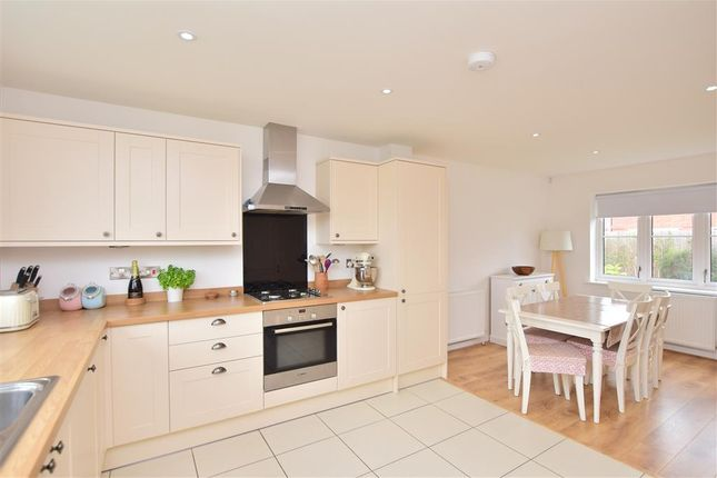 Link-detached house for sale in Belle View Close, New Romney, Kent