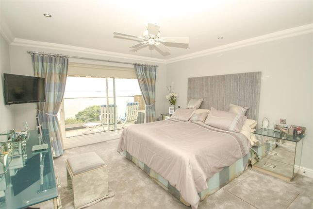 Master Bedroom of Grand Parade, Leigh-On-Sea SS9
