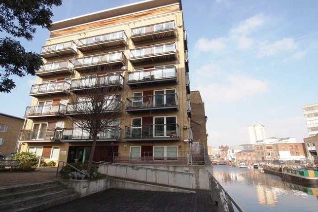 Thumbnail Flat to rent in Darwen Place, London