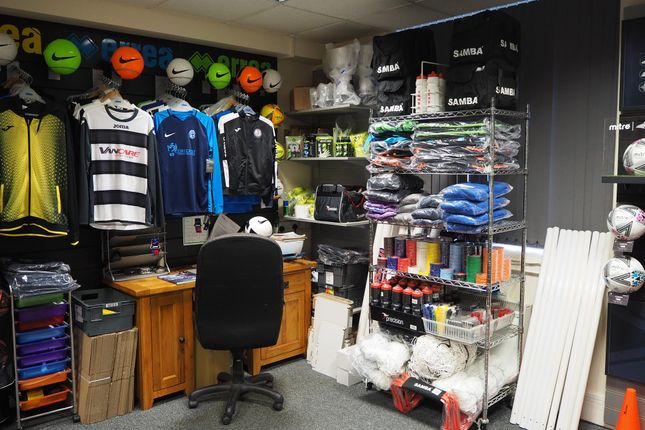 Thumbnail Retail premises for sale in Clothing & Accessories LS25, West Yorkshire