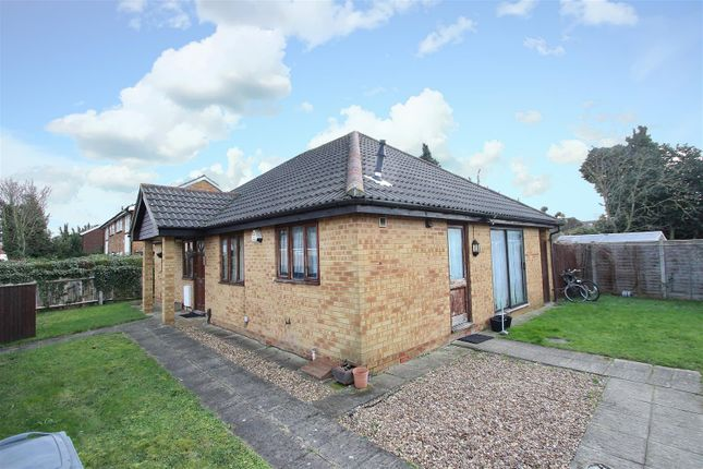 Thumbnail Detached bungalow to rent in Sonia Gardens, Heston, Hounslow