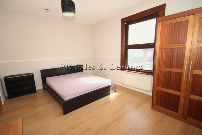 Thumbnail Terraced house to rent in Whitworth Road, Woolwich, London