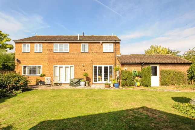 Thumbnail Detached house to rent in Windmill Avenue, Bicester
