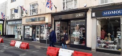 Retail premises to let in Fore Street, Sidmouth
