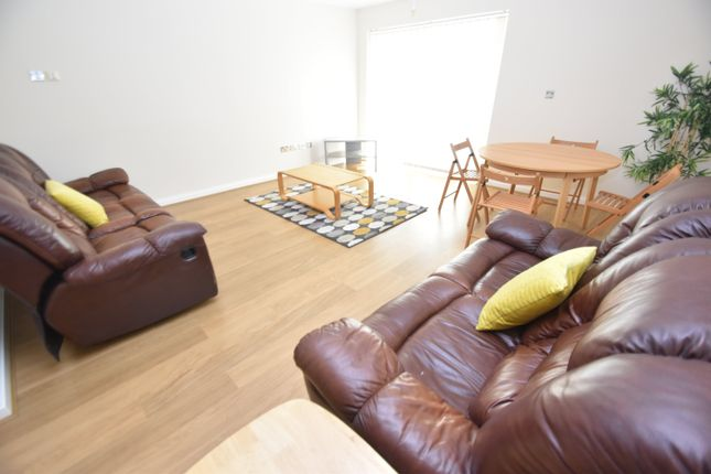 1 bed flat to rent in Penstone Court, Geneva House, Century Wharf, Chandlery Way CF10