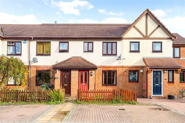 Thumbnail Terraced house to rent in Tweed Drive, Didcot, Oxfordshire