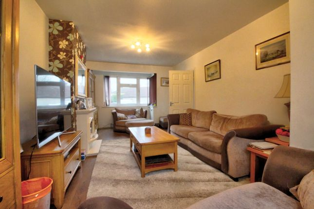 4 bed semi-detached house for sale in Diban Avenue, Elm Park, Hornchurch