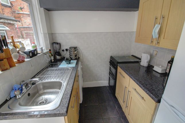 Kitchen of Western Road, Leicester LE3