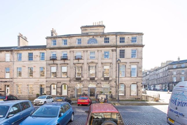 3 bed flat to rent in Great King Street, New Town, Edinburgh