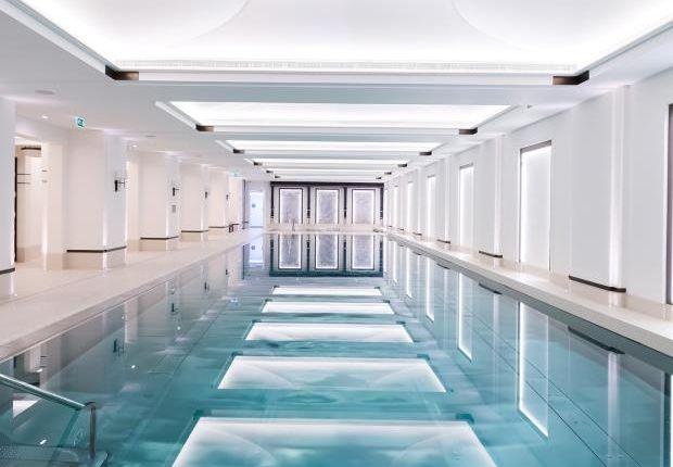 Thumbnail Flat to rent in Mayfair London