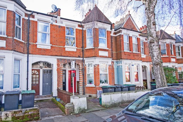 Thumbnail Flat for sale in Lyndhurst Road, Wood Green